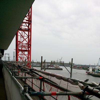 Ausblick von der Plaza in den Hafen