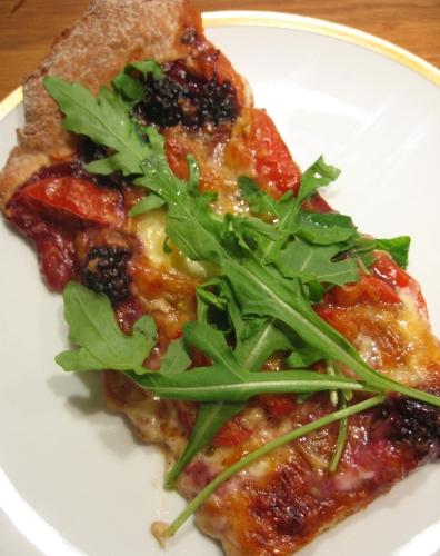 Pizza Tomate-Brombeeren