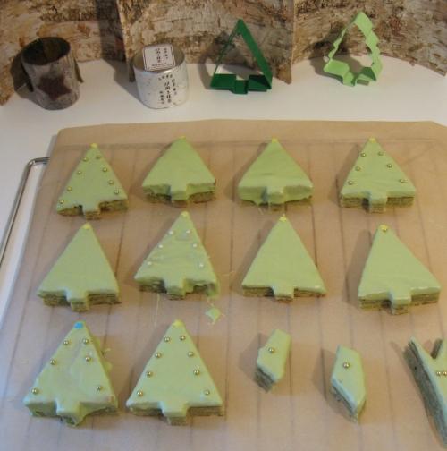 matcha-baum-kuchen-verzieren