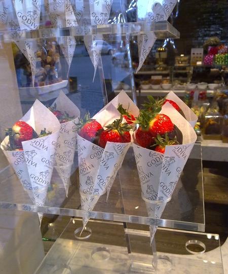 Erdbeeren mit dunkler Schokolade von Godiva