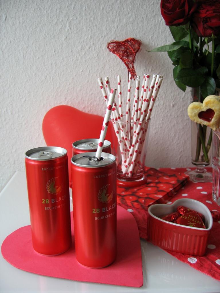 Schwarze Dose 28 Sour Cherry