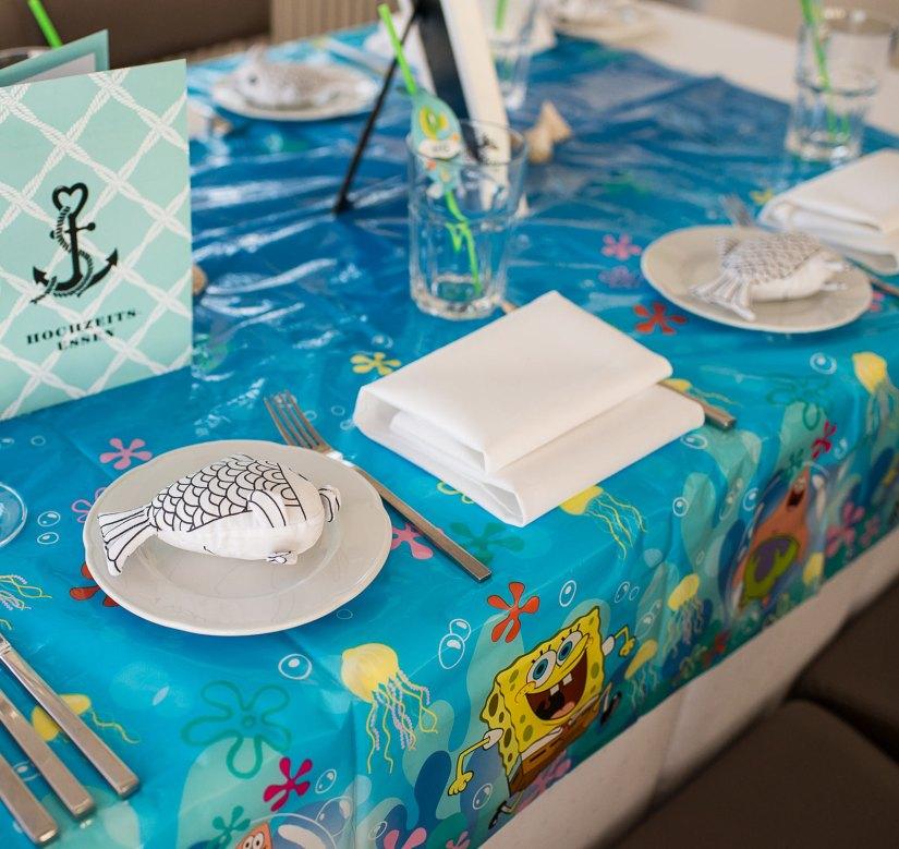 kindertisch f r die maritime hochzeit mit spongebob und seepferdchen detaille. Black Bedroom Furniture Sets. Home Design Ideas
