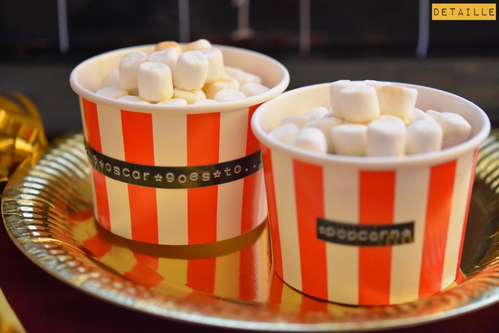 Red-Velvet-Cupcakes like Mini-Popcorn-Tubes