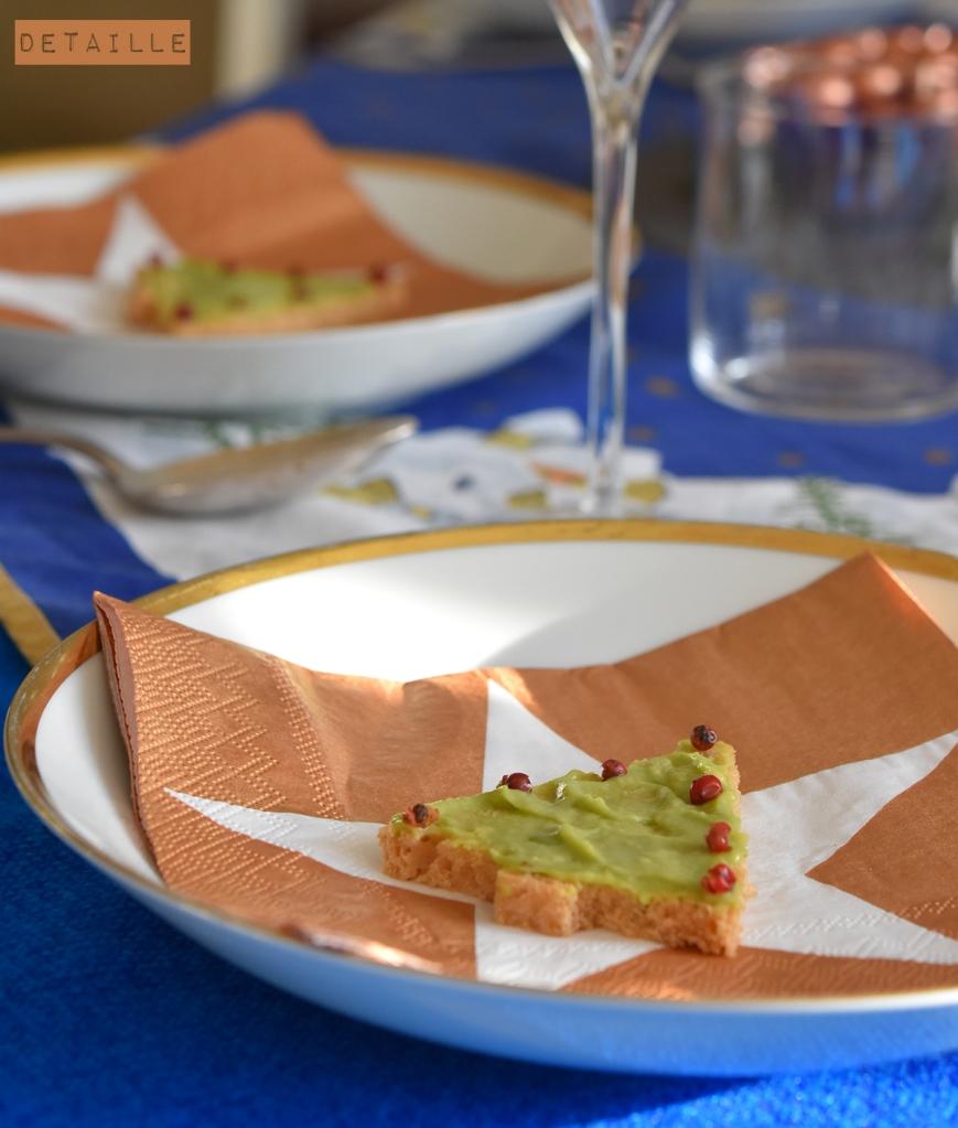 weihnachten-avocado-brot-tischdeko