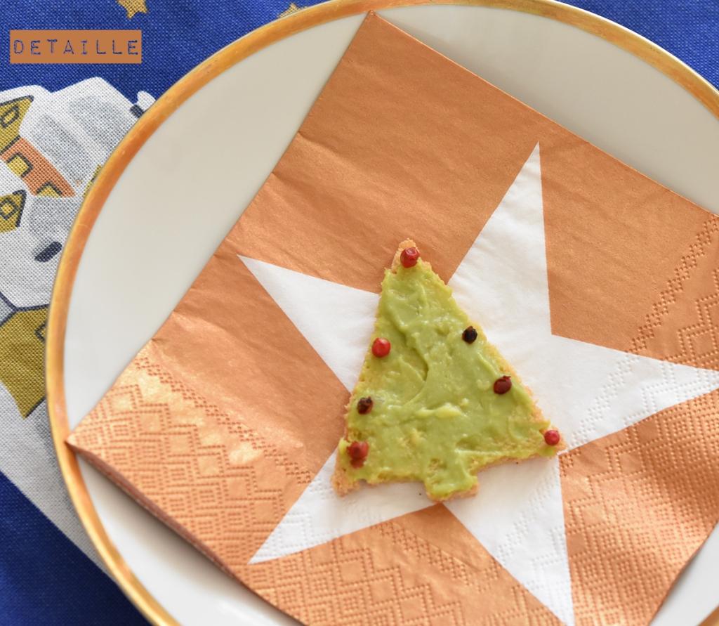 weihnachten-vorspeise-avocado-brot-weihnachtsbaum