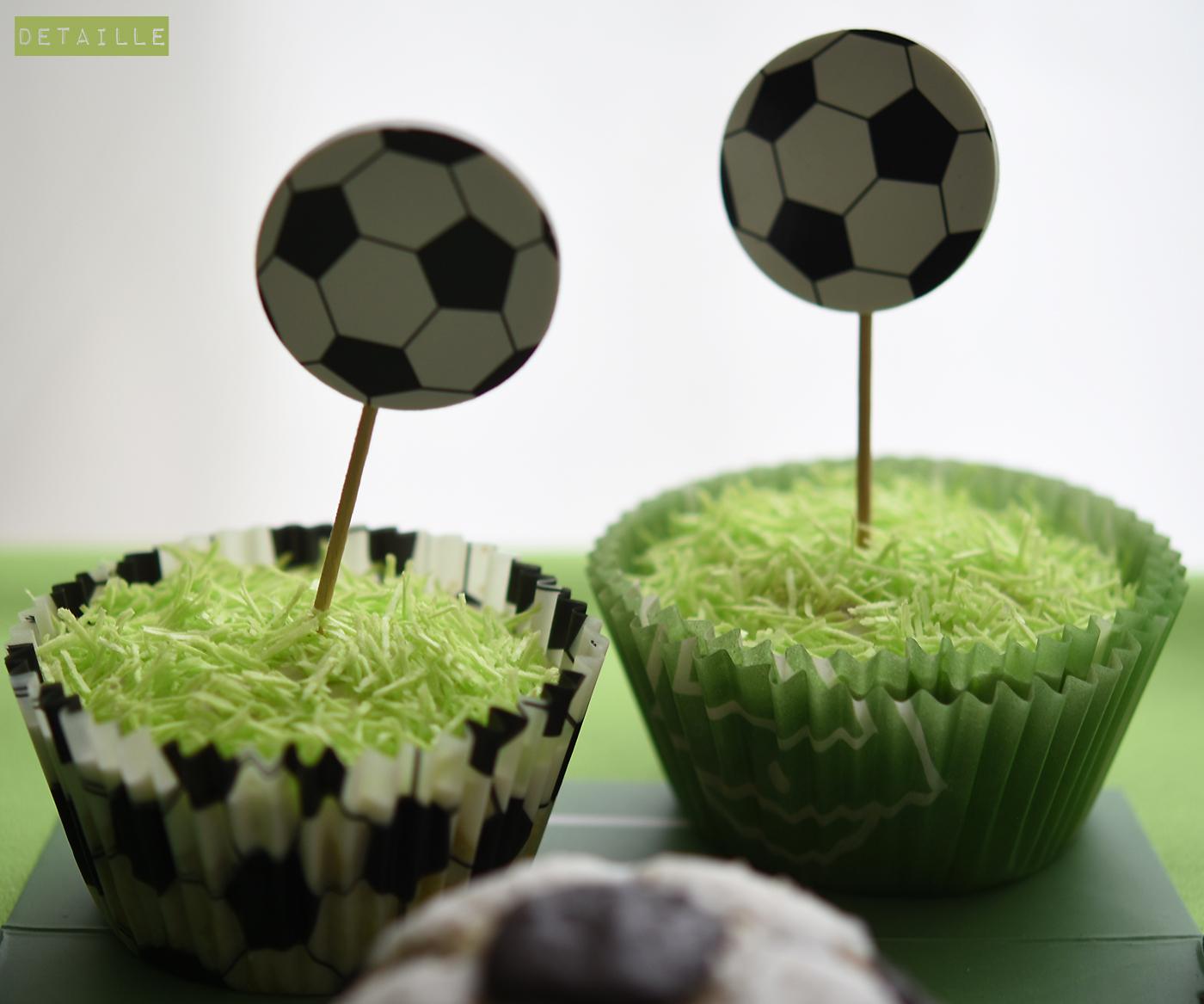 Mini Fussball Kuchen Und Rasen Muffins Zur Em Detaille
