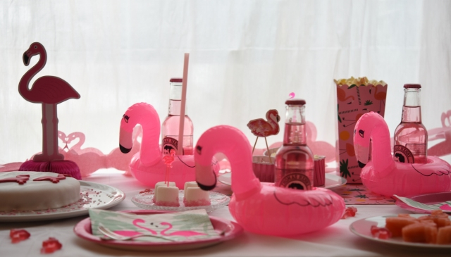 flamingo-party-panorama