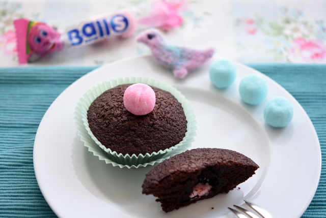 ueberraschungs-cupcakes rosa bonbon
