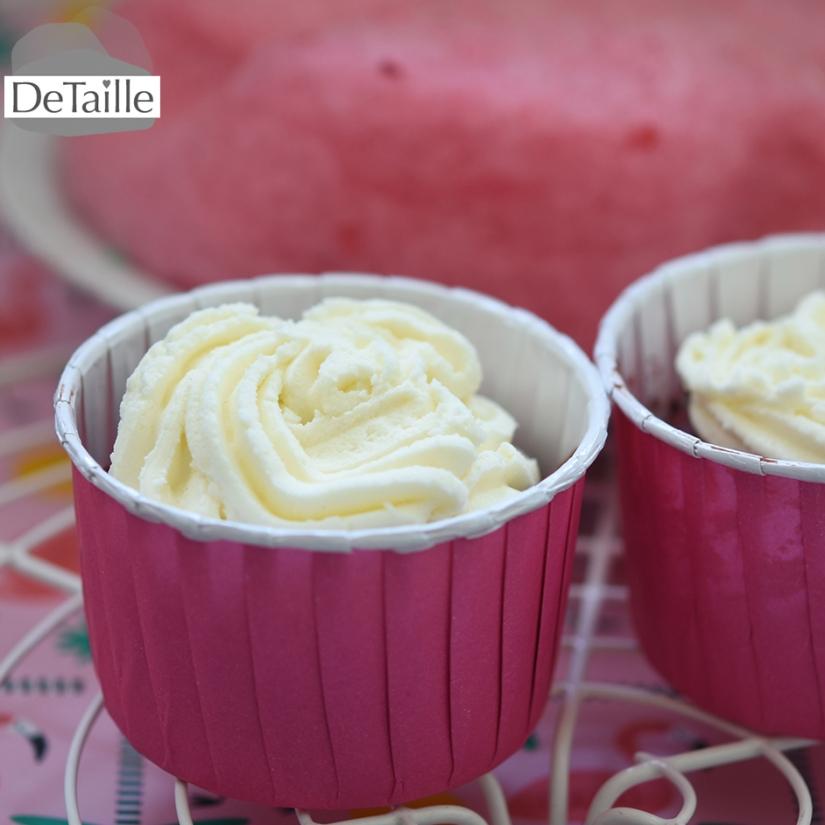 Pink-Velvet-Cupcakes mit Buttercreme